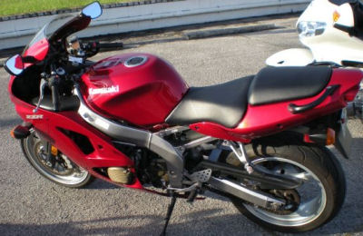 2007 07 Kawasaki ZZR600 w red paint color