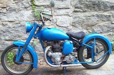 1949 Indian Scout Motorcycle Barn Find Fresh and Ready for Restoration
