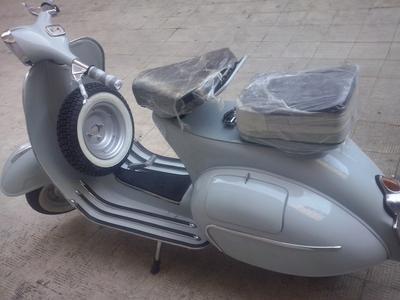 125cc 4 speed Vintage 1962 Vespa vnb5t Scooter