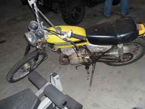 Yellow 1970 Suzuki 125