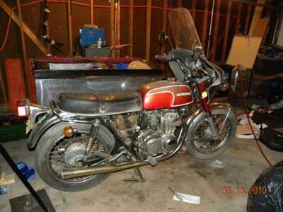 Red Vintage 1972 Honda CB 350 Motorcycle