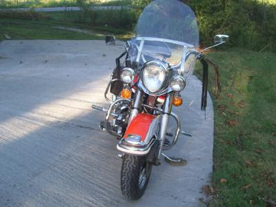 Front Fender and Windshield View 1973 Harley Shovelhead FLH Classic