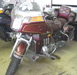 1983 GOLDWING 1100 w Burgundy Wine Maroon Paint Color