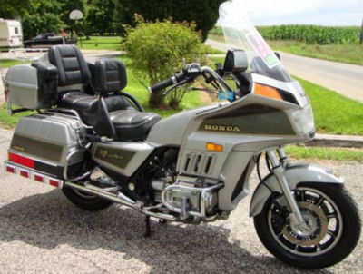 1986 HONDA GOLDWING 1200 ASPENCADE (this photo is for example only; please contact seller for pics of the actual motorcycle for sale in this classified)