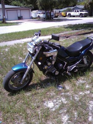 1986 Yamaha Fazer  FZ700 (not the FZ for sale in this ad)