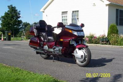 1989 Honda Goldwing GL 1500 Wineberry (not the one for sale in this ad)