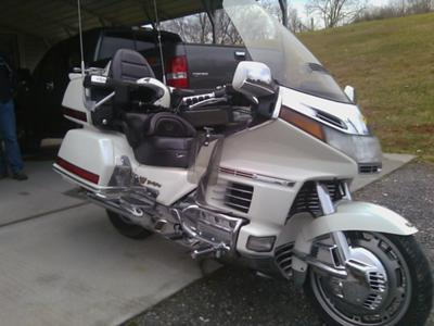 NOT THE 1989 HONDA GOLDWING GL1500 for sale in this ad