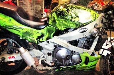 1998 Kawasaki Ninja ZX6 w a custom Hydrodip paint job and Vortex sprockets