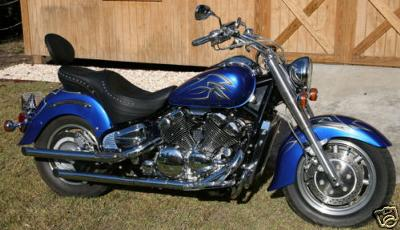 1998 Yamaha Royal Star Custom Bike with nice paint.  Very Sharp!!  A real head turner.