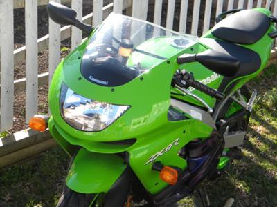 1999 Kawasaki ZX9R Ninja Lime Green and Black
