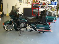 2001 Harley Davidson Ultra Classic Suede Green and Black Paint