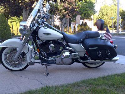 2002 Harley Davidson Road King Classic Touring Motorcycle (this photo is for example only; please contact seller for pics of the actual motorcycle for sale in this classified)