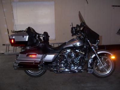 Silver and Black 2003 Harley Davidson Ultra classic Anniversary Edition