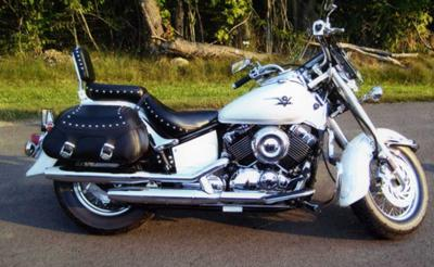 2004 Yamaha Silverado VStar 650 V Star in Pearl White (this photo is for example only; please contact seller for pics of the actual motorcycle for sale in this classified)