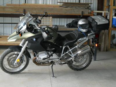 Factory Green Color 2005 BMW R1200GS Motorcycle with Bags