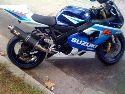 CLASSIC BLUE AND WHITE  2005 Suzuki GSX-R GSXR 600