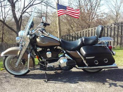 2005 Harley Davidson Road King Classic for sale by owner in Council Bluffs, IA