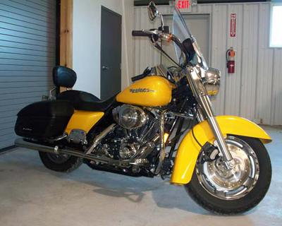 2005 Harley Davidson Road King Custom w Bright Yellow Paint color