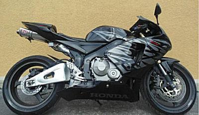 Black and Silver Gray  2005 Honda Cbr600rr