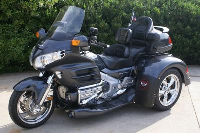 Charcoal Gray 2005 Honda Goldwing GL1800 Trike Motorcycle (NOT the one for sale in this ad)