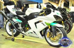 Custom Candy Pearl White Paint  Powder Coated Wheels 2005 Kawasaki ZX10R (Not the bike for sale in this ad)