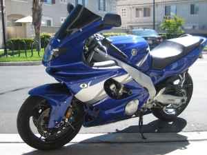 Blue 2005 Yamaha YZF600R 599 cc frame sliders
