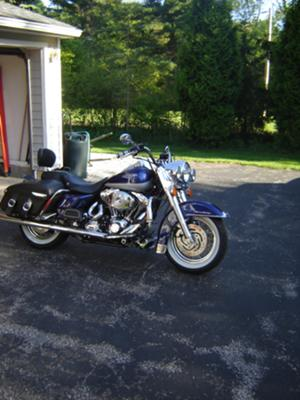 Cobalt Blue and Silver 2006 HARLEY DAVIDSON ROAD KING