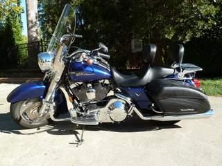 Cobalt Blue 2006 Harley Davidson Road King Custom FLHRSI