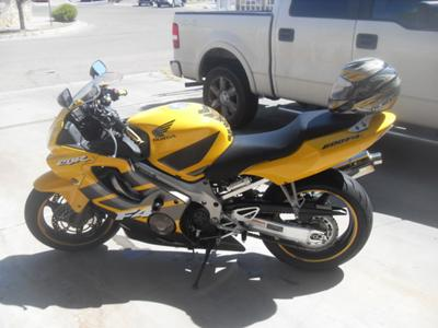 Yellow and Gray 2006 HONDA CBR600 F4i (this photo is for example only; please contact seller for pics of the actual motorcycle for sale in this classified)