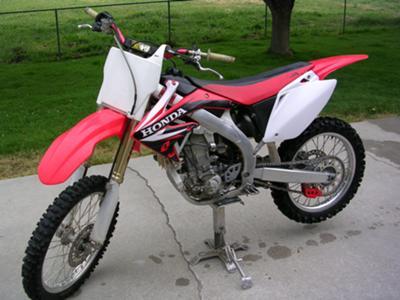 2006 Honda CRF 450R red white