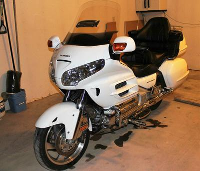 White 2006 Honda Goldwing for sale by owner in NE Nebraska