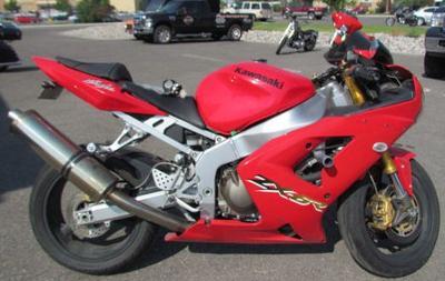 Salvage 2006 Kawasaki Ninja ZX-6R Ninja with Red paint color optiion