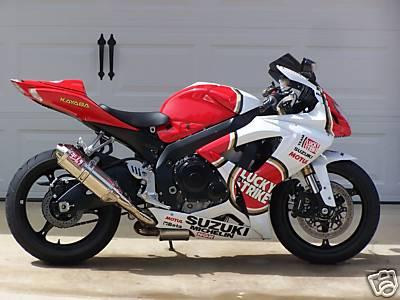 Red and White 2007 Suzuki GSXR 600