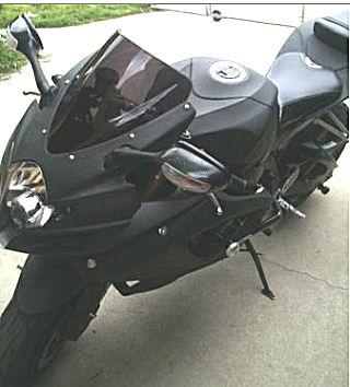 HELLA Mean, 2007 Suzuki GSXR 600 w black Paint color