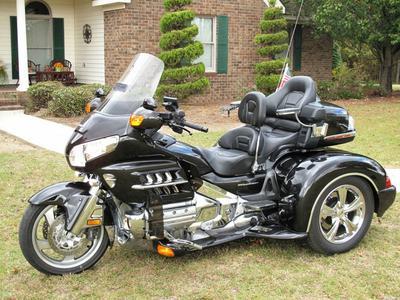 2007 Honda Goldwing Trike w champion trike kit and black metallic paint color