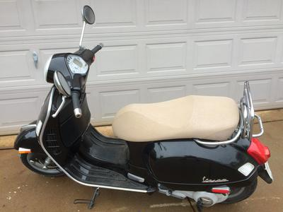 2007 vespa motor scooter for sale. Black Bedroom Furniture Sets. Home Design Ideas