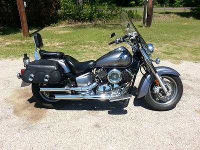 2007 Yamaha V Star 1100 w This bike has the metallic gray paint color option