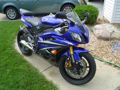 Cobalt Blue 2007 YAMAHA YZF R6 (this photo is for example only; please contact seller for pics of the actual motorcycle for sale in this classified)