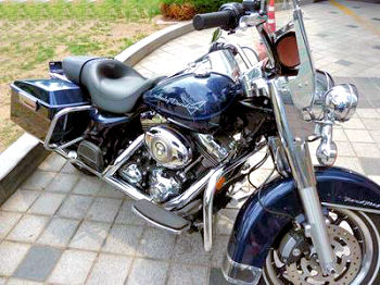 2008 Harley Davidson Road King Classic FLHRC motorcycle with Pacific Blue paint color option
