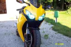 Bright Yellow and Black 2008 Honda CBR1000rr  CBR 1000rr