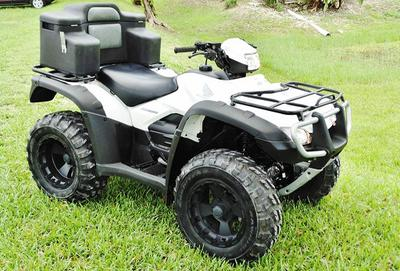 2008 Honda Foreman 500 4x4 in White and Black color combination
