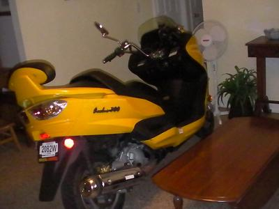 Yellow 2008 LINHAI 300cc scooter