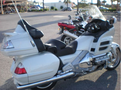 2008 Honda Goldwing w Pearl White Paint Color (example only)