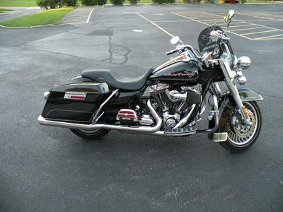 2009 Harley Davidson Touring Road King motorcycle for sale by owner
