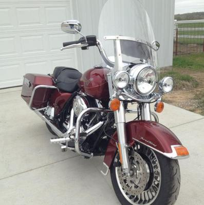 2009 Harley Davidson Road King Custom FLHR Touring Motorcycle (this photo is for example only; please contact seller for pics of the actual bike for sale in this classified)