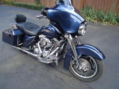 2009 Harley Street Glide FLHX w pearl blue paint color