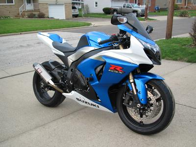 Blue 2009 Suzuki GSXR 1000  for sale by owner