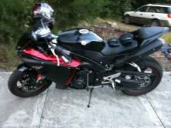 2009 Yamaha R1 Raven (not the one in the ad)