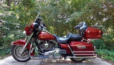2010 Harley Davidson Electra Glide for Sale by owner in FL Florida