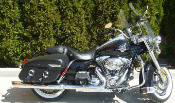 2010 Harley FLHRC Road King Classic with Vivid Black Paint Color and Screamin Eagle Exhaust Pipes